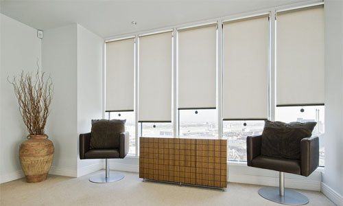 Hướng dẫn cách trang trí rèm chống nắng cho không gian văn phòng