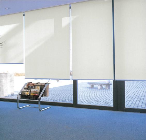 Cách vệ sinh và bảo quản rèm cuốn văn phòng