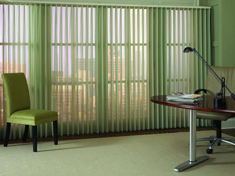 Chọn rèm văn phòng như thế nào để hợp với khung cửa sổ lớn