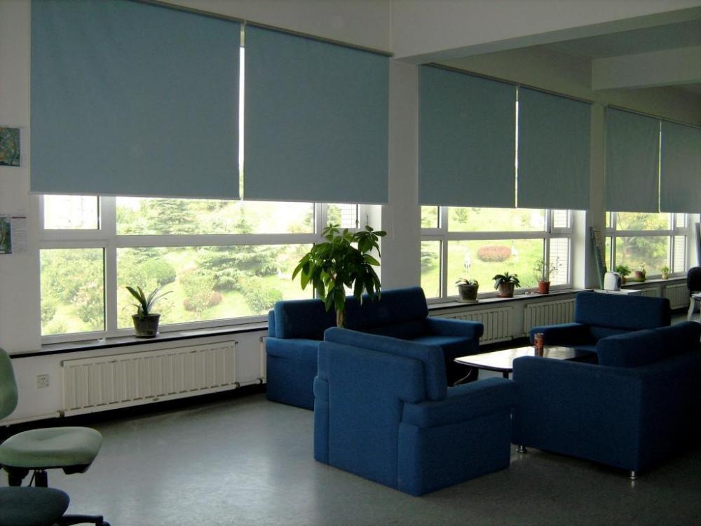 Sử dụng rèm văn phòng để trang trí, chống nắng hiệu quả