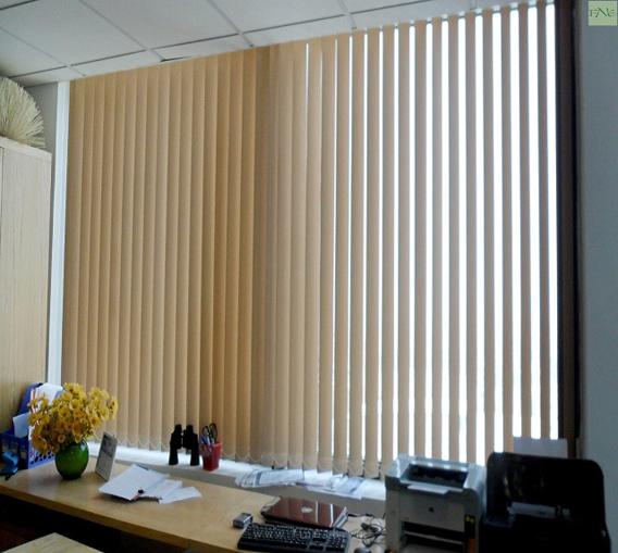 Ưu nhược điểm rèm lật văn phòng bạn nên biết