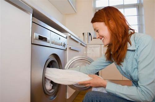 Mẹo giặt sạch rèm bằng máy nhanh chóng và hiệu quả